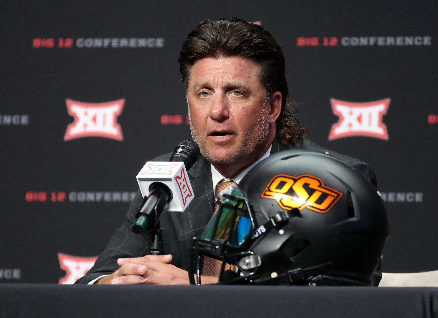 Mike Gundy Doesn't Name Starting QB, Says Both Could Play to Open Season | Pistols Firing