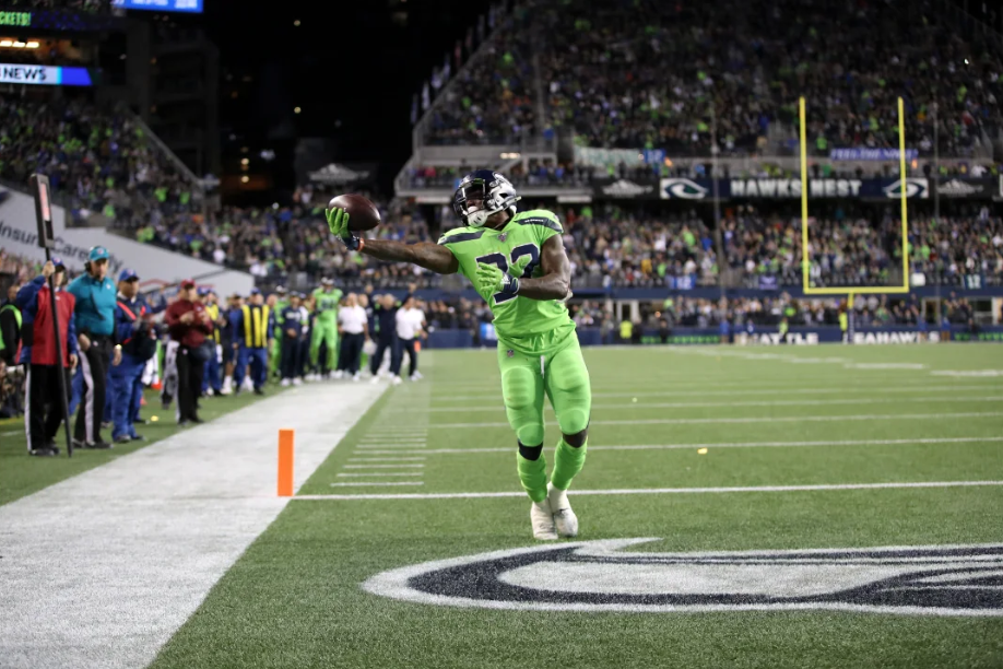 Chris Carson Caps Big Night With Game-Winning TD Catch | Pistols Firing