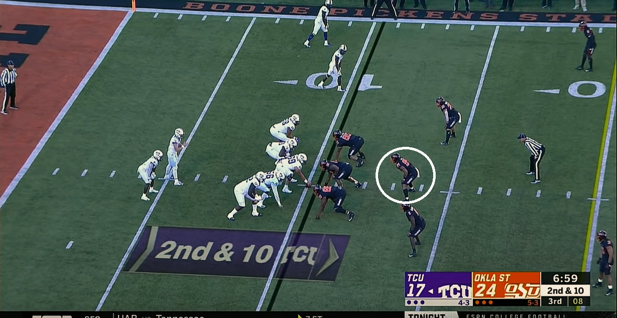 middle linebacker.PNG